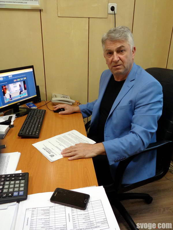 Илия Богданов – заместник – кмет на община Своге и водещ заседанията на Общинския щаб за бедствия