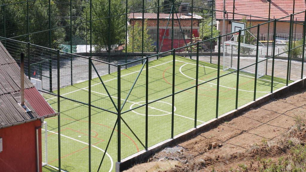 Новата спортна площадка